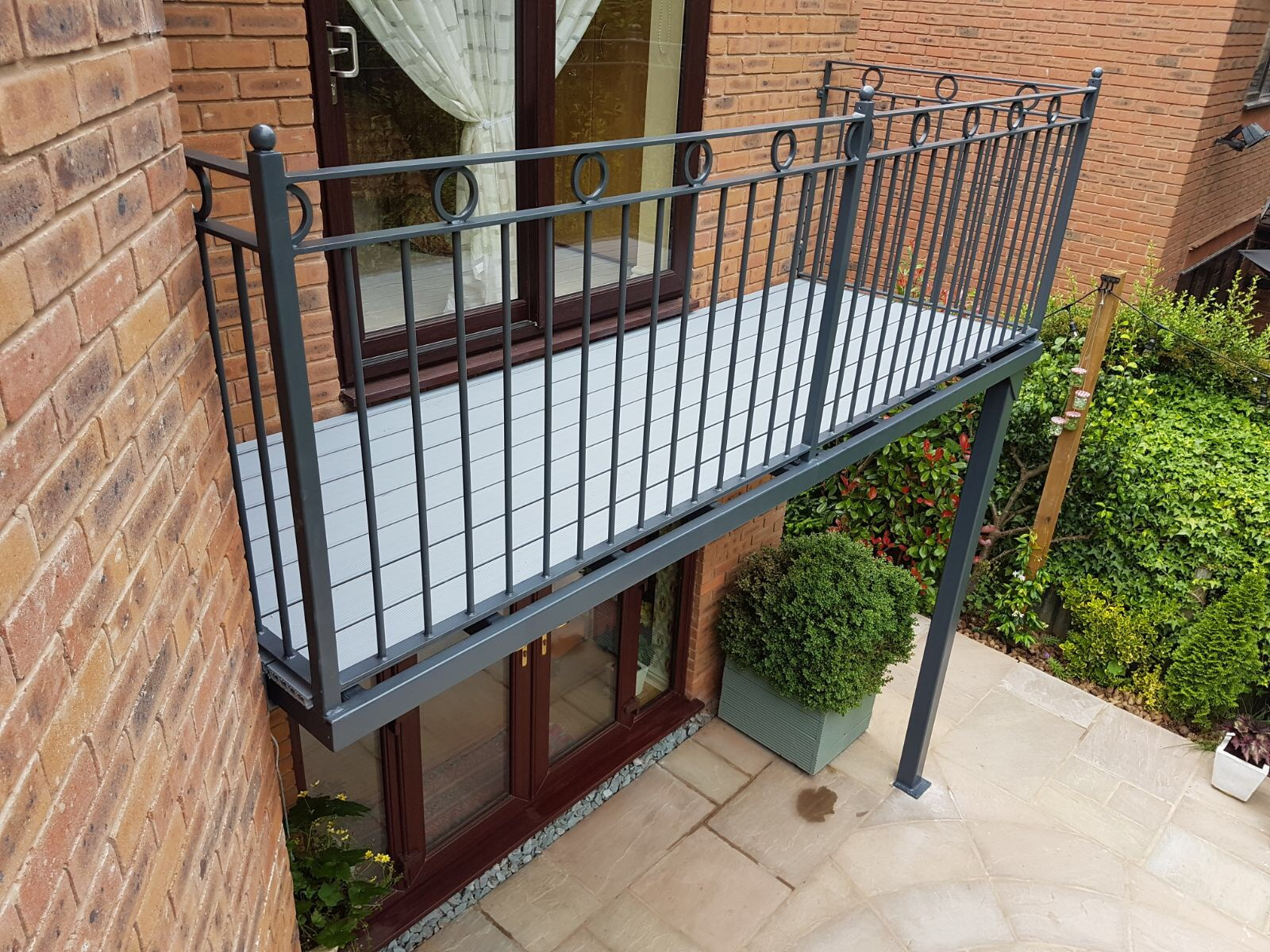 5 Weird and Wonderful Balcony Facts