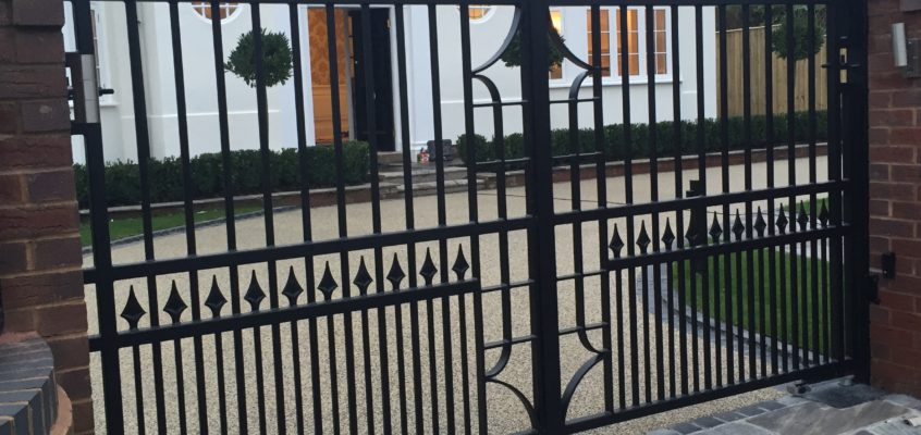 3 Common Causes of Automatic Gate Noises