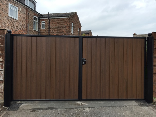 Suppliers of Plastic Gates in Urmston