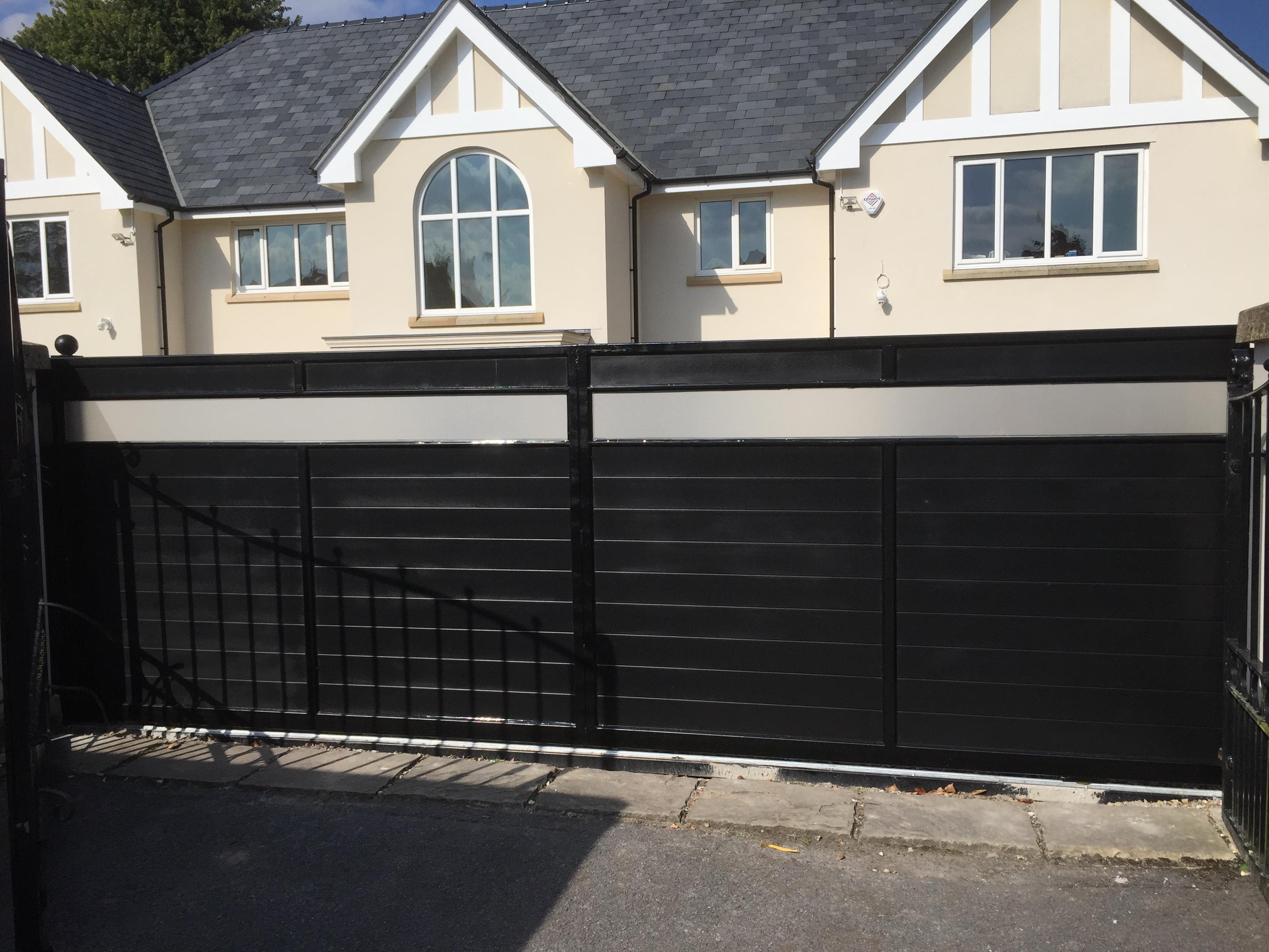Gates in Bowdon