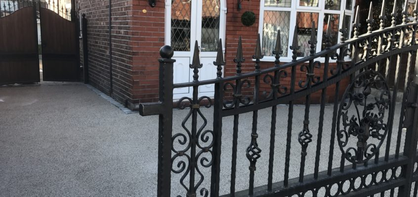 The Pros and Cons of Wooden Gates